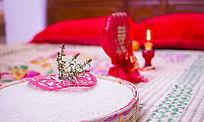 传统婚礼用具铜镜与添丁灯