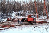 大兴安岭伐木队装车场