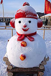 憨态可掬小雪人