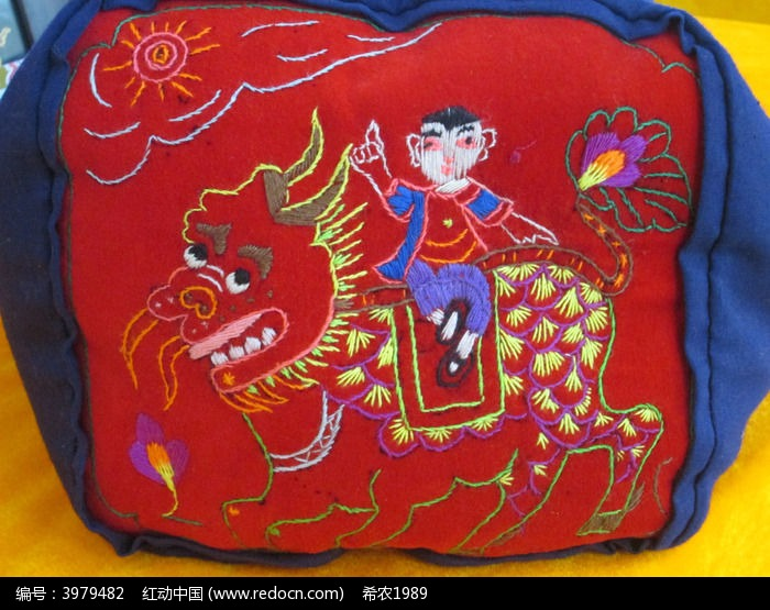 神兽刺绣枕头面高清图片下载 编号3979482 红动网图片