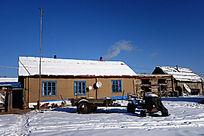雪原农家院