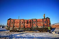 商品材装火车