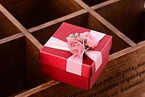 红色包装礼盒