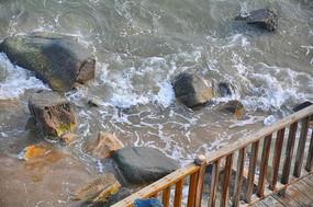 海水中的岩石
