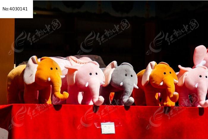 旅游景点的纪念品布艺小象