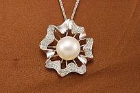 白珍珠吊坠