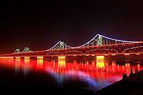 鸭绿江大桥灯光璀璨