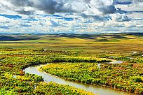 根河湿地弯曲的河流