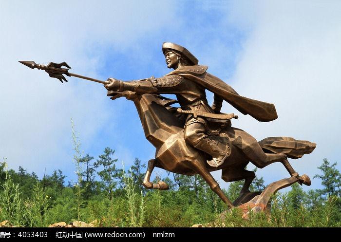 成吉思汗骑马出征雕塑图片