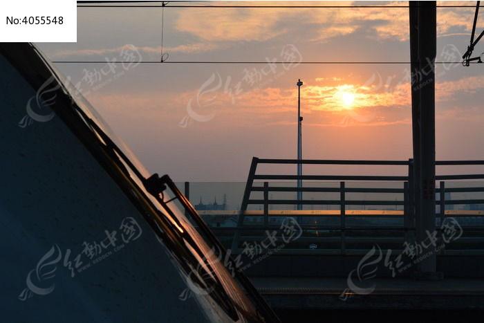 高铁 轻轨 晚霞 风景 摄影