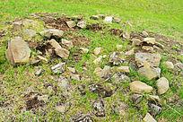 金界壕遗址附近的古墓