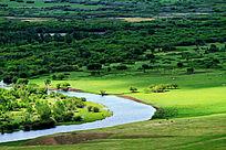 金界壕遗址戍堡下面的根河