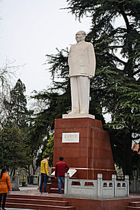 毛泽东塑像