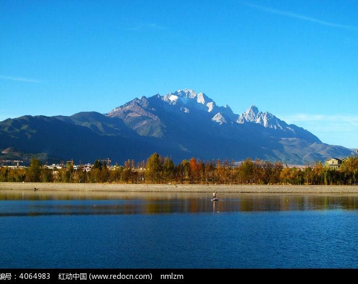 玉龙雪山湖泊图片,高清大图_森林树林素材