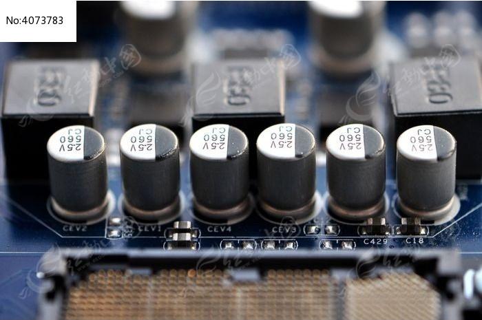 电路板上的电子元件图片