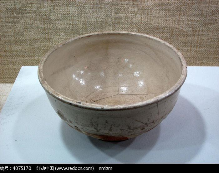 白瓷钵辽代图片