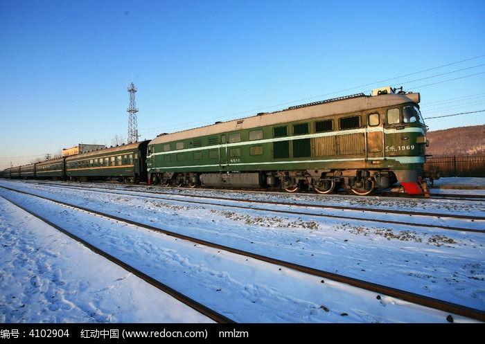 杭州白塔公园 银杏 绿皮小火车