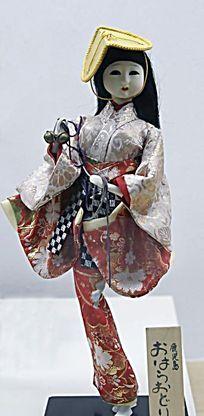 日本舞跃偶人