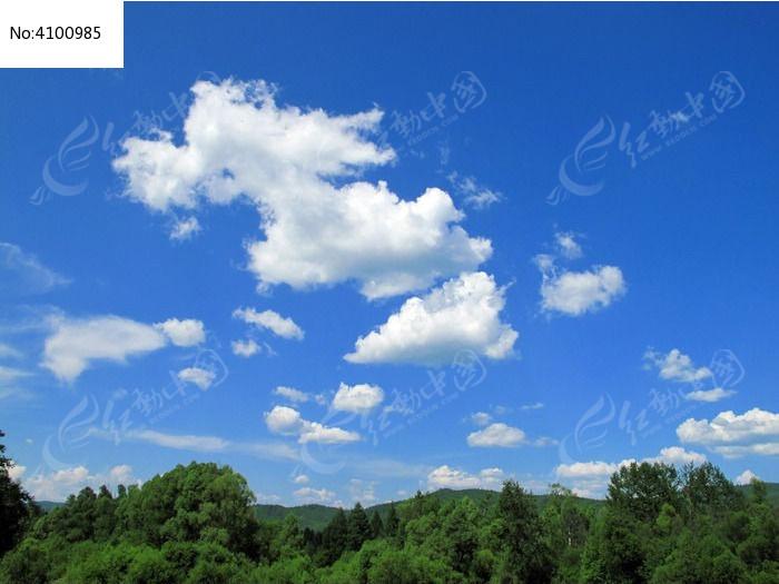 山林蓝天白云图片
