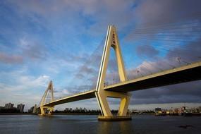 海口世纪大桥仰视