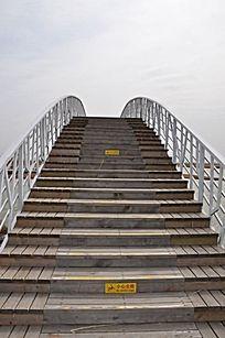 巨淀湖风景区木质拱桥
