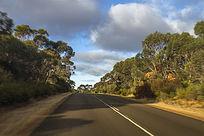 澳洲阿德莱德郊外的公路景象