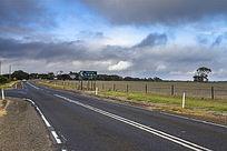澳洲袋鼠岛农场边上的公路