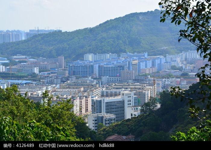 原创摄影图 自然风景 江河湖泊 山中建筑楼房  请您分享: 素材描述:红