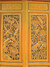 白族门窗上的木雕画