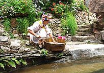 深圳民俗文化村 白族少女取水