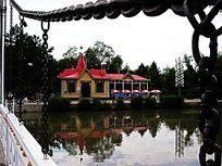 吊桥公园俄罗斯式木房