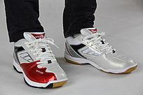 皮质红白色鞋子