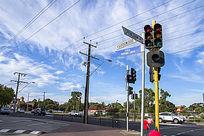 阿德莱德城市街头的十字路口