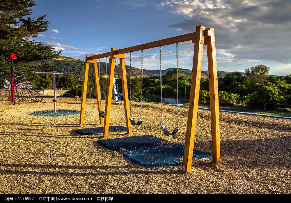 澳洲的户外儿童游乐场