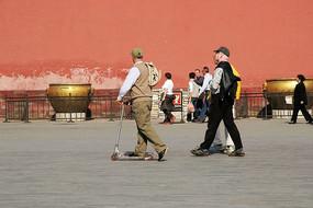 故宫外国游人在浏览