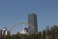 摩天轮和大楼