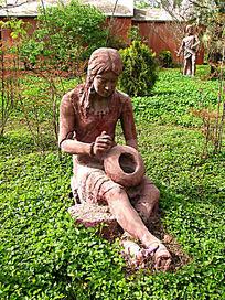 大河村遗址制作陶器少女