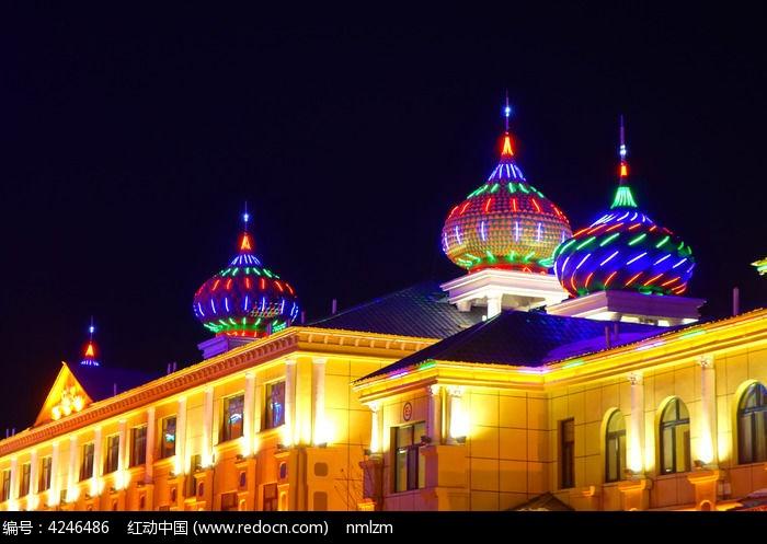 额尔古纳欧式建筑夜景图片
