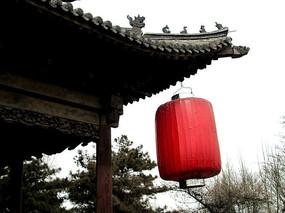 观稼阁古老屋檐与红灯笼
