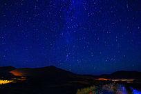 巴丹吉林沙漠繁星闪烁