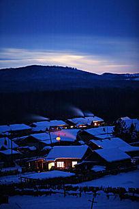 边境雪村之夜