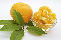 橙子块和叶子