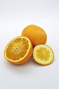 大小切面的橙子