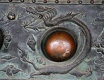 故宫太和门门钉的龙雕图案