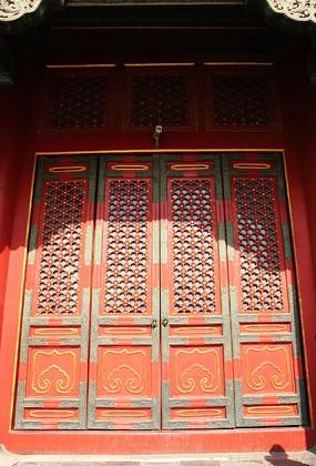 故宫保和殿中国传统风格殿门