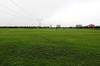 蒙牛乳业总部院内草坪