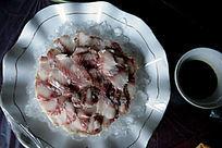 细鳞鱼生鱼片