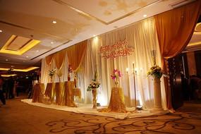 金色婚礼迎宾区设计照片