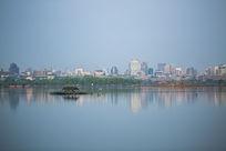 杭州西湖湖面城市风景