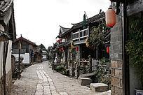 束河古镇长长的石板路